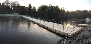 Kann ein Schwimmsteg auf dem Wasser transportiert werden?