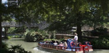 Ein Transportfloß für den Tourismus