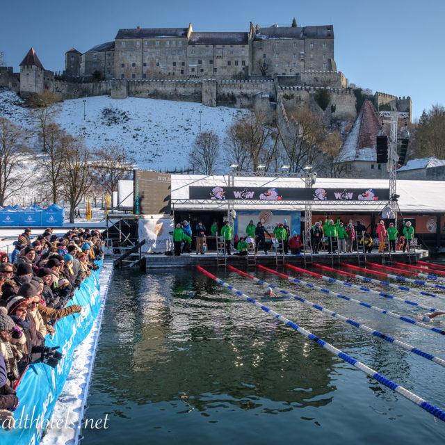 Eisschwimm-Weltmeisterschaft in Burghausen 2016/2017
